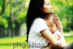 bệnh lây truyền từ mẹ sang con