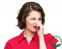 khí hư có mùi hôi lại còn vón cục như bã đậu